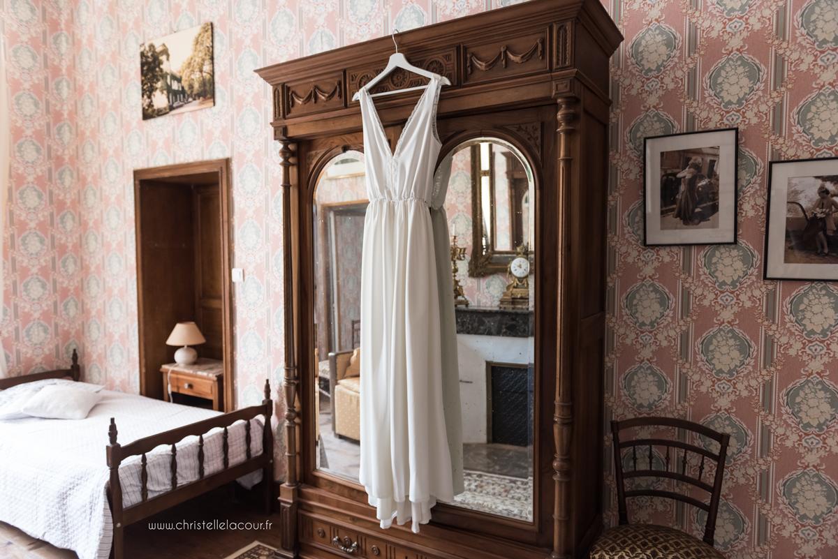 Mariage au château de Calaoué dans le Gers - le gîte, la chambre rose