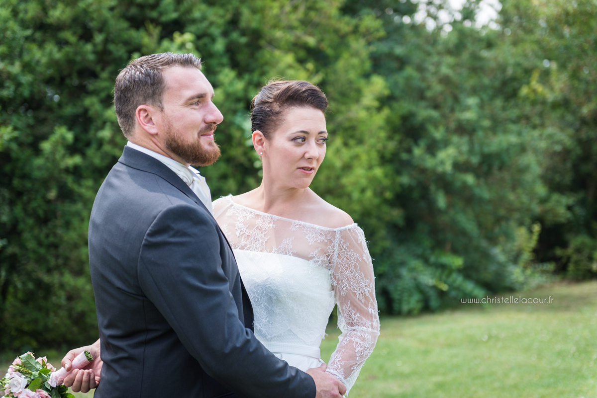 Mariage au château des Varennes près de Toulouse, les photos de couple dans le parc du château