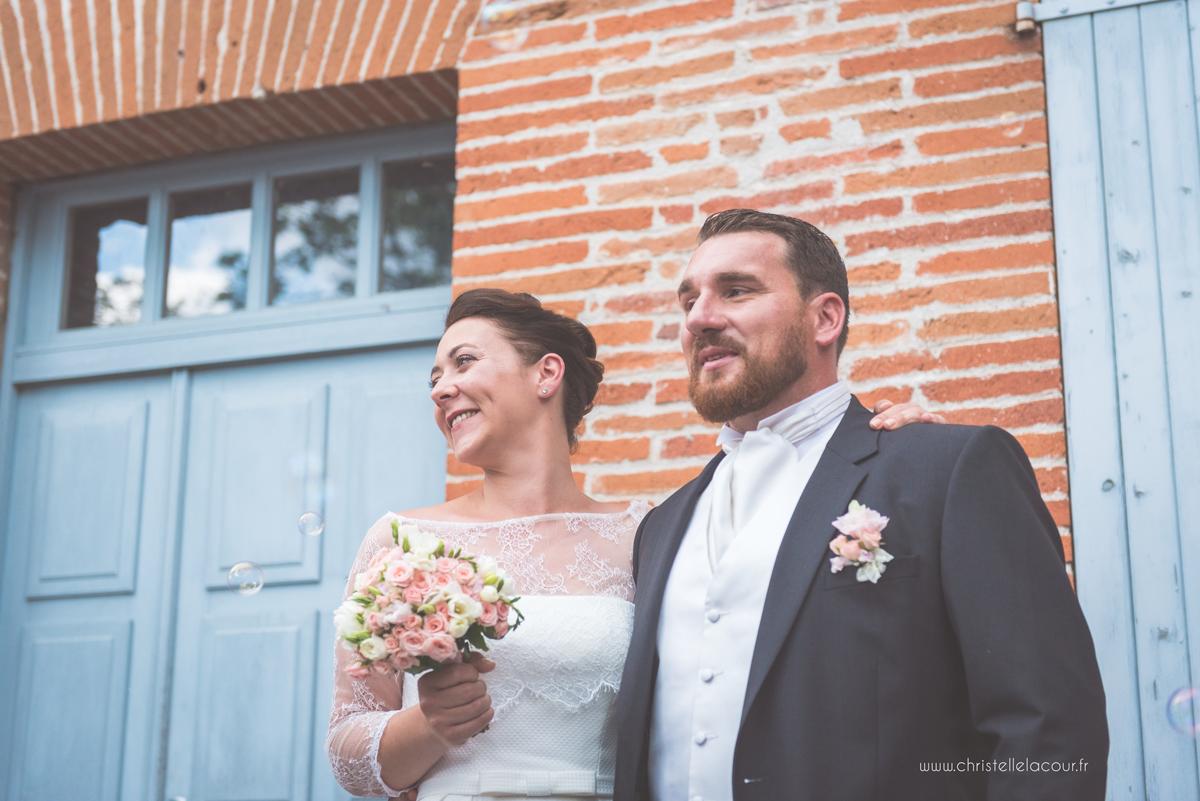 Mariage au château des Varennes près de Toulouse, la sortie de l'église