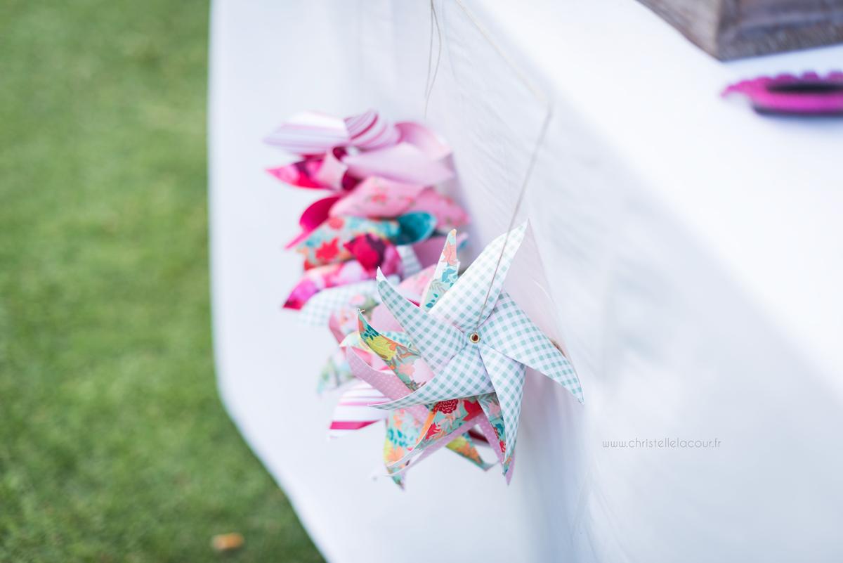 Mariage au château des Varennes près de Toulouse, moulins en papier au candy bar