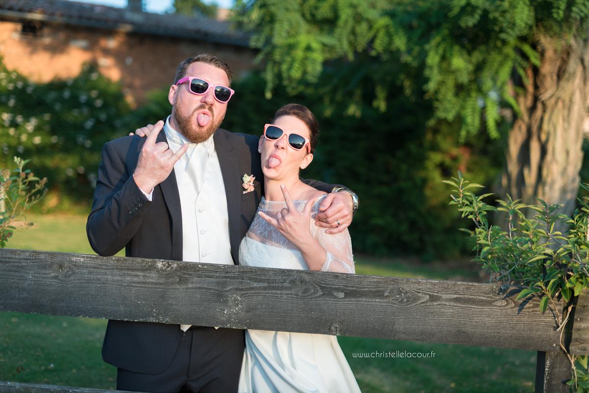 Mariage au château des Varennes près de Toulouse, les photos de couple décalées dans le parc du château