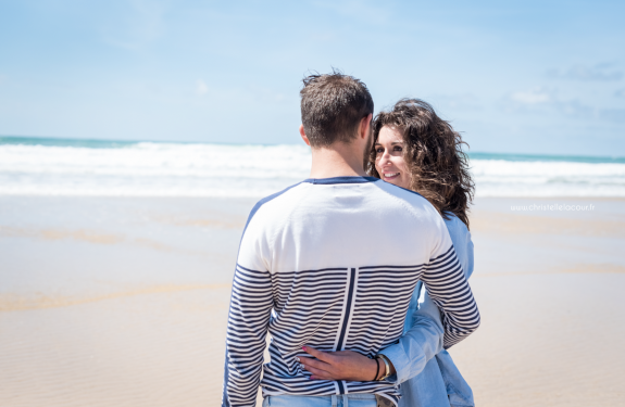Read more about the article Séance couple sur la plage de Lacanau