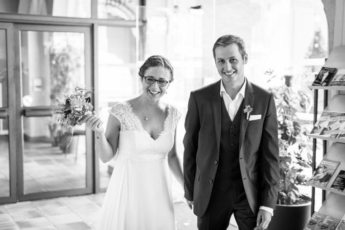 Mariage civil près de Toulouse, l'arrivée des mariés - Christelle Lacour Photographe