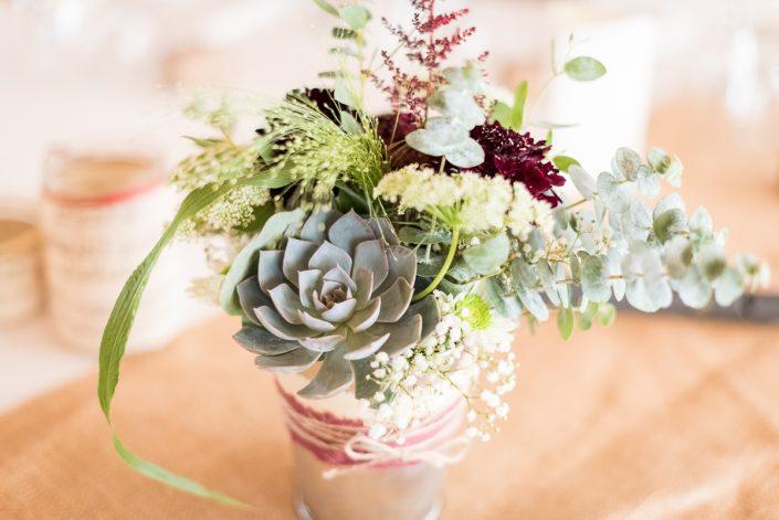 Bouquet de table de mariage à Toulouse en succulentes - Christelle Lacour Photographe