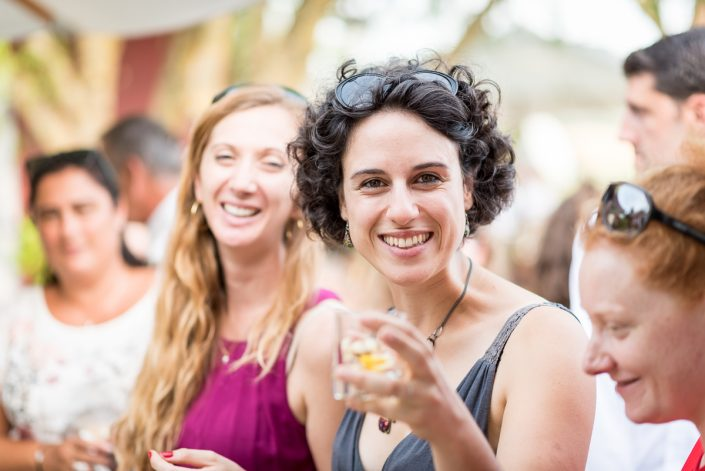 Mariage au domaine de Pagayrac, portraits vivants des invités - Christelle Lacour Photographe