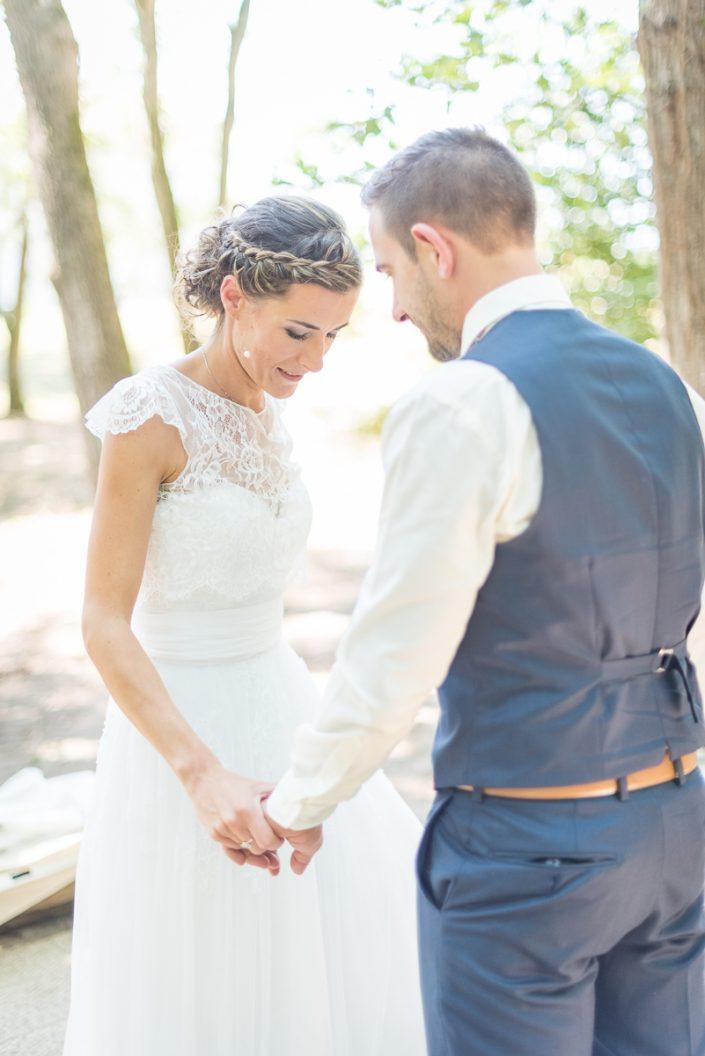 La robe de la mariée Cymbeline et son boléro en dentelle, Christelle Lacour Photographe