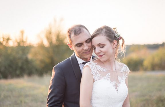 Les mariés au coucher de soleil dans le Lot