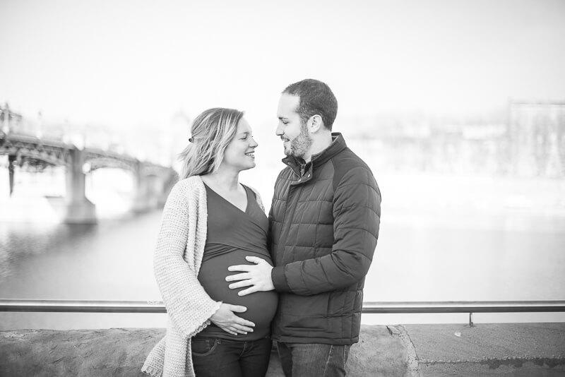 Photographe de grossesse près de la Grave dans le centre de Toulouse