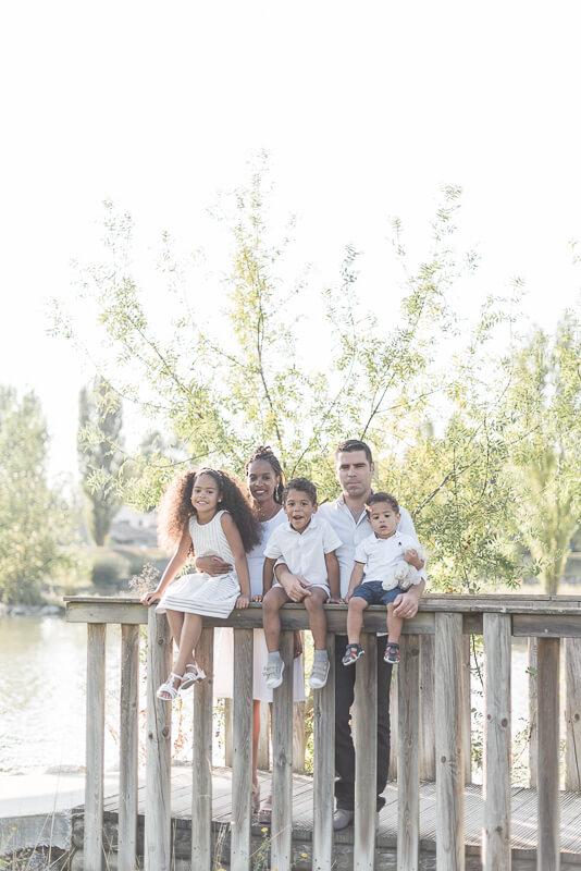 Séance photo de famille avec 3 enfants à Toulouse