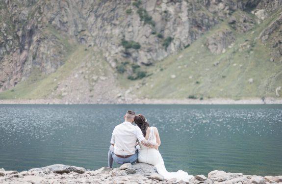 Séance photo trash the dress après le mariage à la montagne
