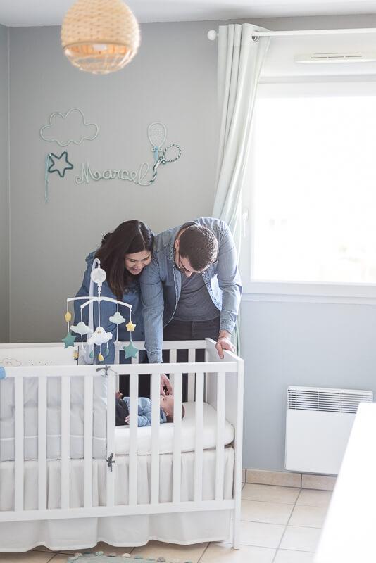 Décoration de chambre de bébé garçon gris vert et bleu
