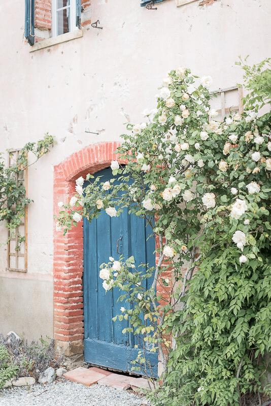 Porte en bois rustique au Domaine du Beyssac