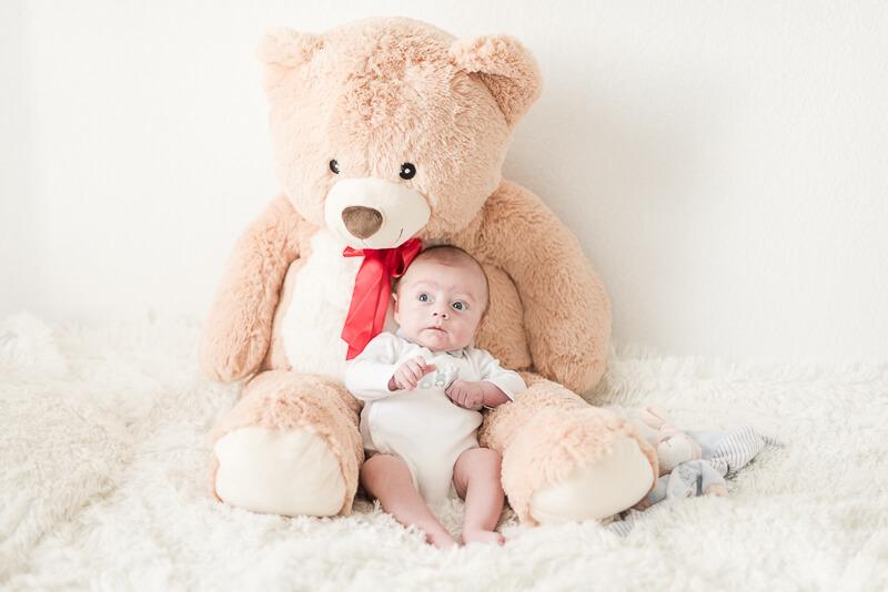 Photographe de bébé de 3 mois à Toulouse