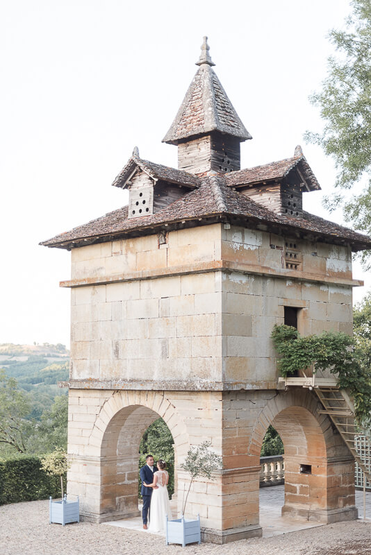 Photo de couple de mariés au Château de Cas