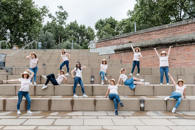 Une séance photo amusante entre filles pour un EVJF réussi