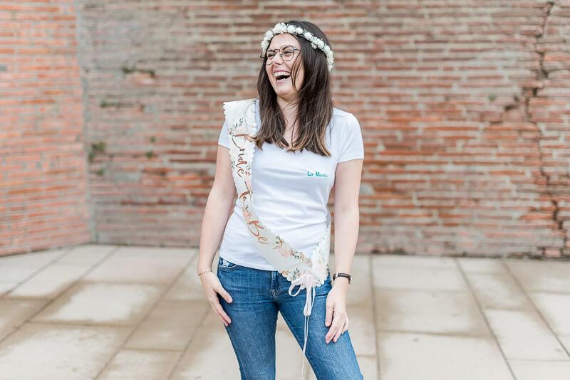 Portrait de la future mariée lors d'une séance photo EVJF à Toulouse