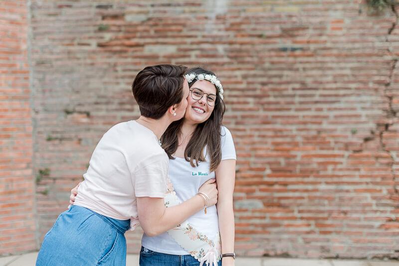 La future mariée et ses copines lors d'une séance photo EVJF à Toulouse