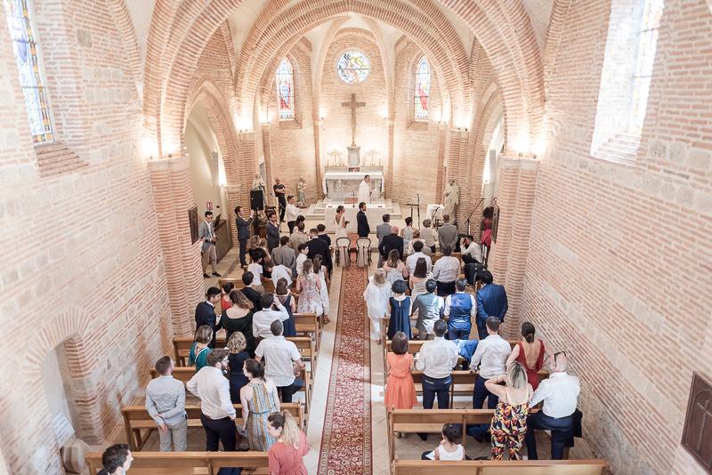 Mariage religieux à l'église près de Toulouse
