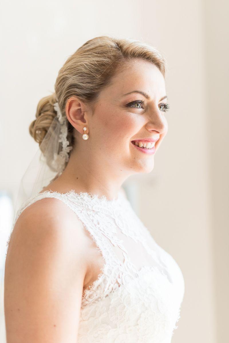 Photographe de mariage à Toulouse au Manoir du Prince Christelle Lacour Photographe, la mariée enfin prête
