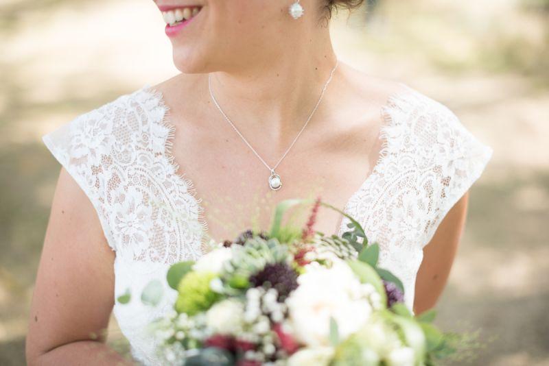 Photo des Bijoux de la mariée en perle blanche à Toulouse - Christelle Lacour Photographe