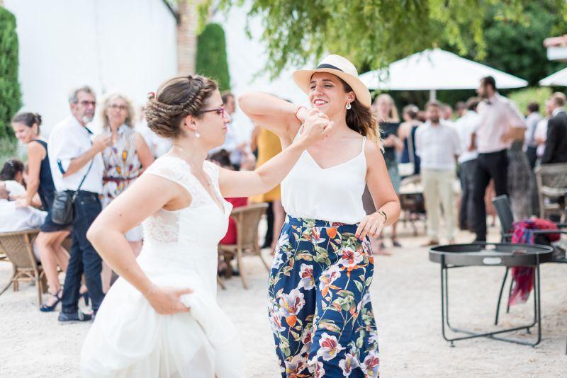 Photo vin d'honneur dansant au domaine de Pagayrac - Christelle Lacour Photographe